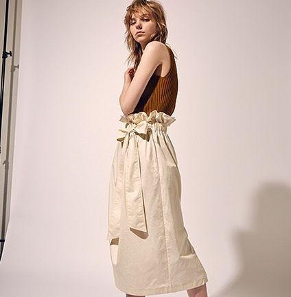 いいね!162件、コメント1件 ― LE CIEL BLEUさん(@lecielbleu_official)のInstagramアカウント: 「🌈AW Collection🌈 ・ 【LE CIEL BLEU】 Paper Bag Belted Skirt #white ¥14,000+tax ・ #lecielbleu #fashion…」