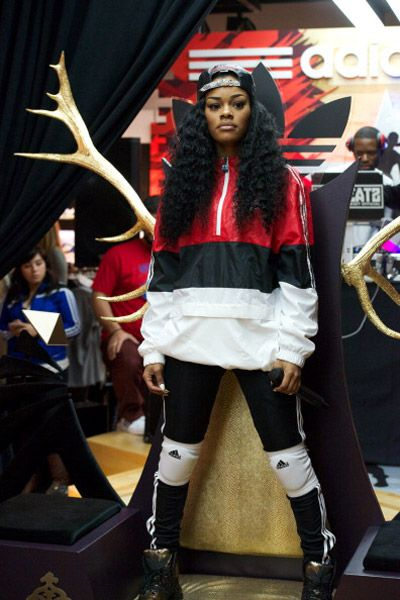 Teyana Taylor outfits | signature style teyana taylor the 90 s tomboy style has really been ...