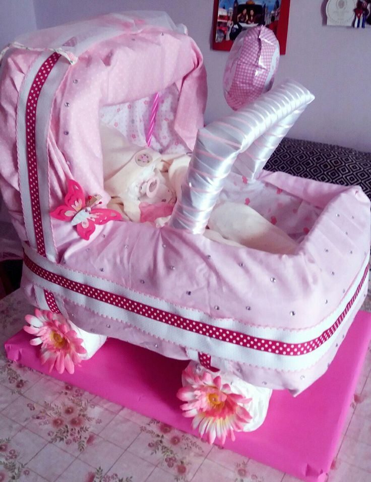 Diy Diaper cake bassinet with diaper baby