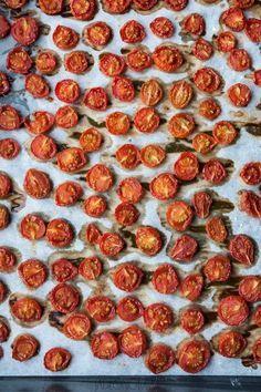 jadłonomia · roślinne przepisy: Domowe suszone pomidory koktajlowe