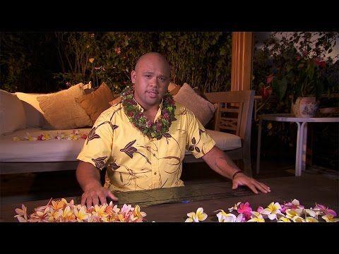 Haku Melia (Making a haku lei) - YouTube