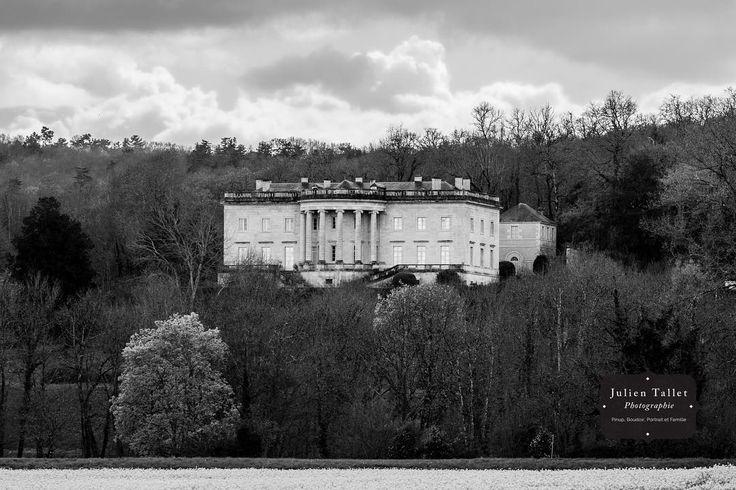 La Maison Blanche en Dordogne ��#whitehouse #france #dordogne #monochrome #blackandwhitephotography #fotografie #foto #bwphoto #bw #bw_photography #bw⚫️⚪️ #noiretblanc #photo #photos #photography #photographie http://tipsrazzi.com/ipost/1505719248428097959/?code=BTlY63GBmGn