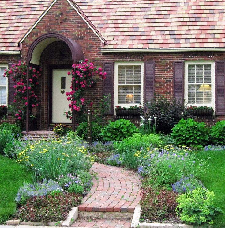 Garden Ideas Landscape Plans For Front Of House: Front Yard Cottage Garden John Cabot Climbing Roses