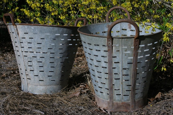 69 Best Images About Old Galvanized Fines On Pinterest Galvanized Planters Zinc Table And Vintage