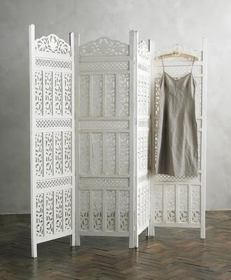 Wooden white indoor privacy screen design