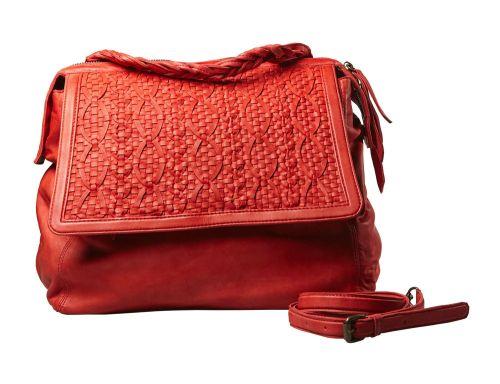 Borsa da giorno con patta in pelle intrecciata. Da portare a mano o a tracolla.  #resinastyle #bag #bags #daybag #fashion #borse #model #luxurybag #fashionable #handbag #fashionaddict #leather #handmade #fairtrade http://www.resinastyle.com/adrenaline/