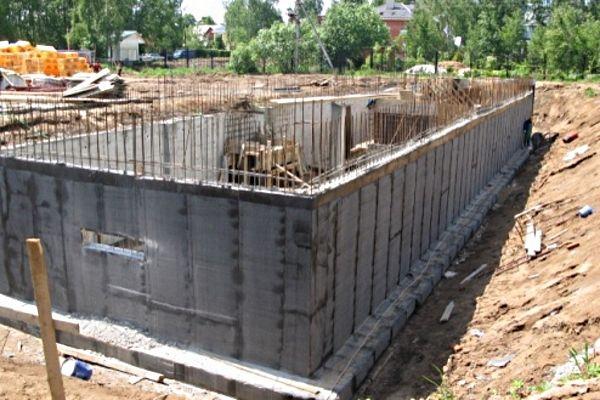 Монолитные стены подвала http://www.domvm.ru/