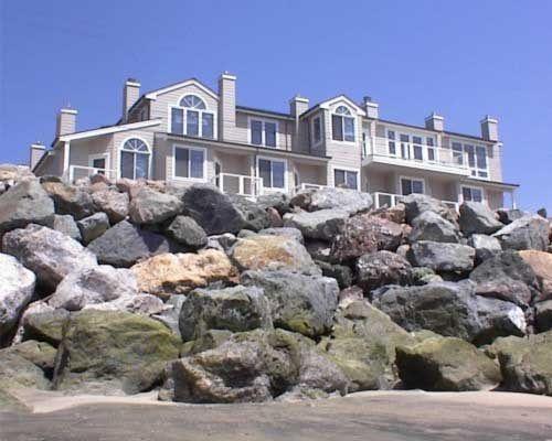Landis Shores Oceanfront Inn In Half Moon Bay, California