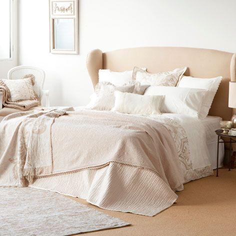 les 25 meilleures id es de la cat gorie couvre lit sur pinterest couvre lits noirs et blancs. Black Bedroom Furniture Sets. Home Design Ideas