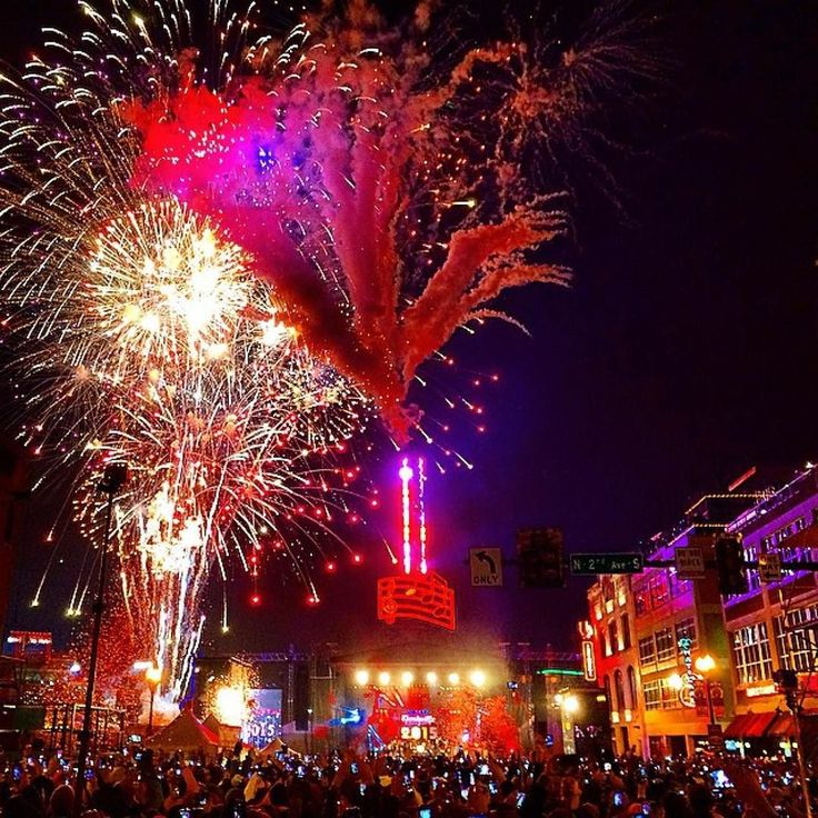 25 days till Nashville's New Year's Eve bash! Double Tap
