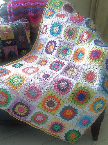 Starburst Flower Crochet Blanket Pattern : 232 best images about CROCHET - STARBURST /SUNBURST on ...