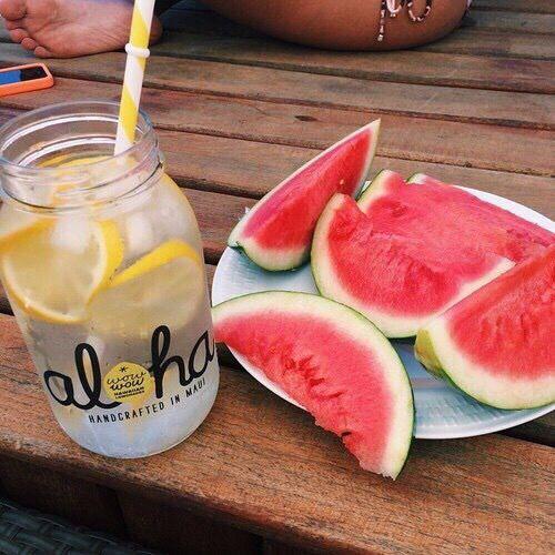Pinterest: iamtaylorjess // Summer food // Fresh fruit // Watermelon // Treats // Snacks // Lemon water