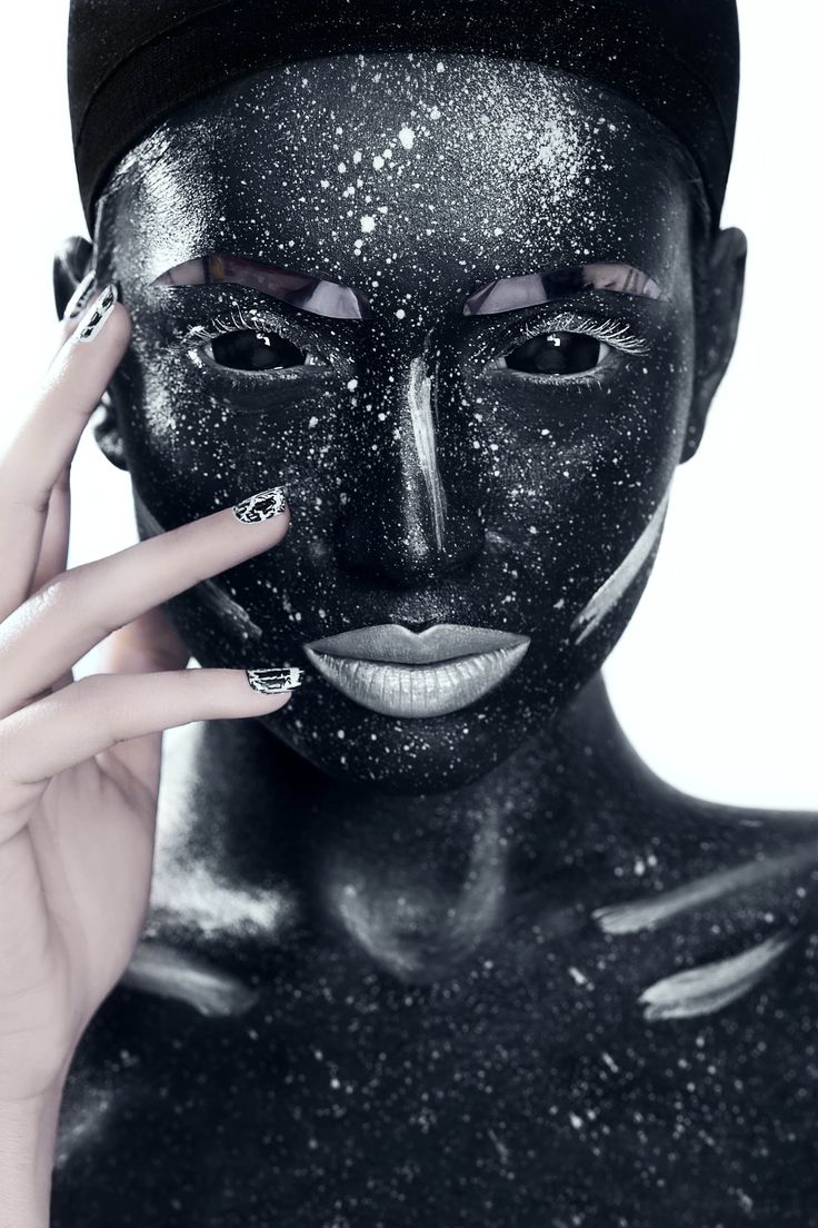 #fatimanasir #beauty #makeup #makeupartist #yabycosmetics #anastasia #kryolan #facelace #kaoir #opi #scleralenses