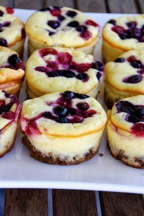 Cheesecake-Muffins mit Beeren
