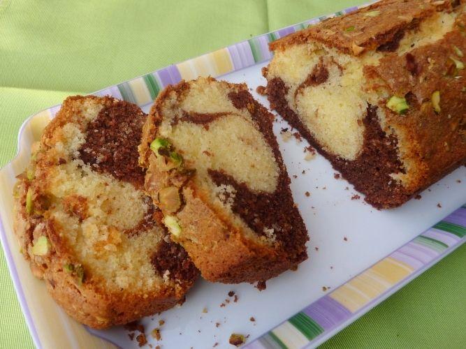 gluten-free plum cake with double chocolate and pistachios - plum cake senza glutine al doppio cioccolato e pistacchi