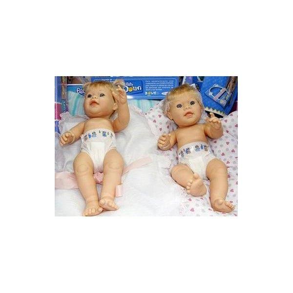 Baby Down. Muñecas con el Sindrome de Down. Juguetes para la integración social. Sus rasgos y características son las tipicas dawn, las manos, los pies son taan bonitos!!