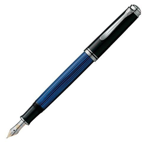 【ペリカン】【万年筆】 スーベレーン M405 青縞真のクラシック1929年ペリカン社は世界で最初にディファレンシャル・ピストン・メカニズムを発表しました。万年筆内部に内蔵されるピストン部分は、ふたつ…