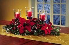 Decoración Navideña con flores de Noche buena.Descubre todas las posibilidades que te ofrece la flor de noche buena (Poinsettia, Pascua). Esta planta, tan navideña, puede convertirse en un bonito centro de mesa, en una corona para la puerta, en un original árbol de Navidad… las posibilidades ¡son infinitas!