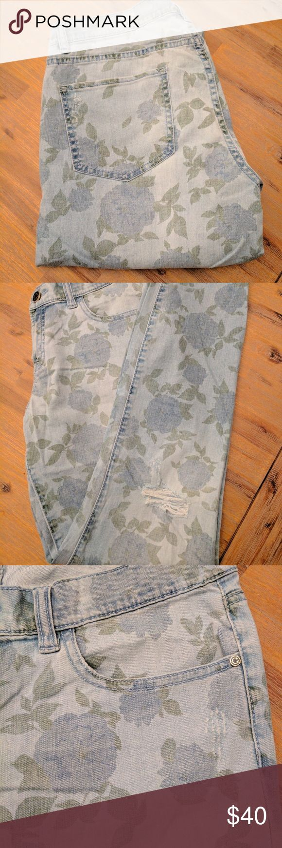 C Wonder Vintage Floral Jeans The jeans are perfect for Spring, Summer and Fall! Pair them with a crop top or over sized sweater. C Wonder Jeans Skinny