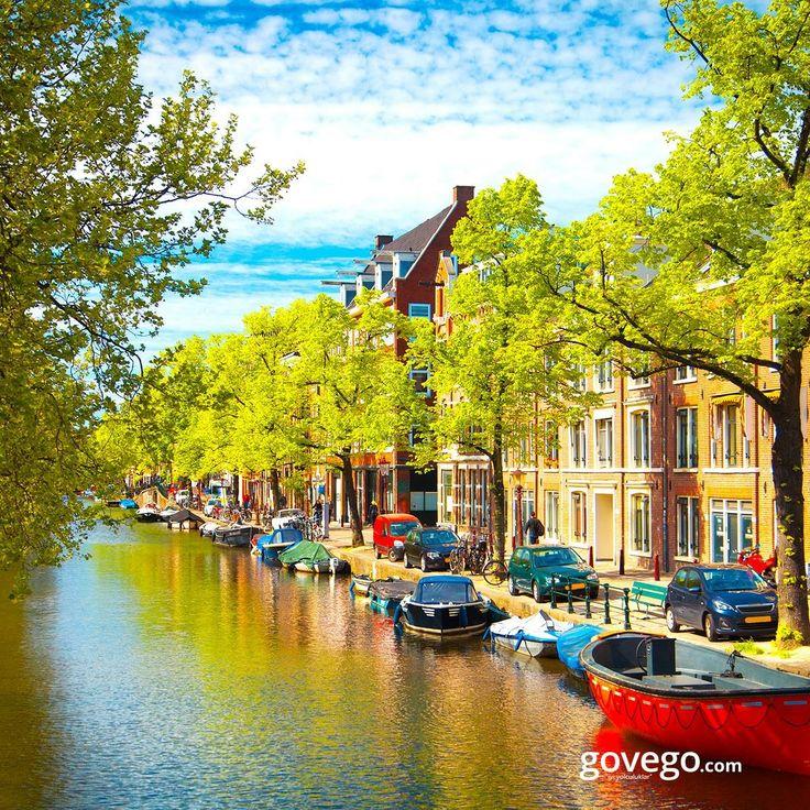 Dünya'nın en çok ziyaret edilen şehirlerinden biri Amsterdam, bisikletin aktif olarak en çok kullanıldığı yerlerden biri. Evleri rengarenk, su kanalları, köprüleri çok meşhur   Detaylı bilgi; https://gezipgordum.com/avrupa/hollanda/amsterdam/ Uçak bileti; govego.com/ucak-bileti #sabah #morning #doğa #naturel #yeşil #green #life #lifeisgood #seyahatetmek #seyahat #yolculuk #gezi #view #manzara #gününkaresi #huzur #an  #turkey #travel #turizm #türkiye #turkey #instagram
