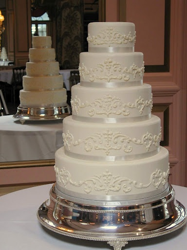 piped wedding cakes 17 best images about amp the beast wedding on 18605