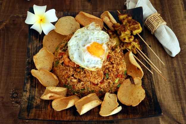 Nasi Goreng | 30 Delicious Indonesian Dishes You Need To Try