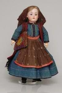 Το e - περιοδικό μας: Πότε ήρθαν οι πρώτες πορσελάνινες κούκλες στην Ελλ...