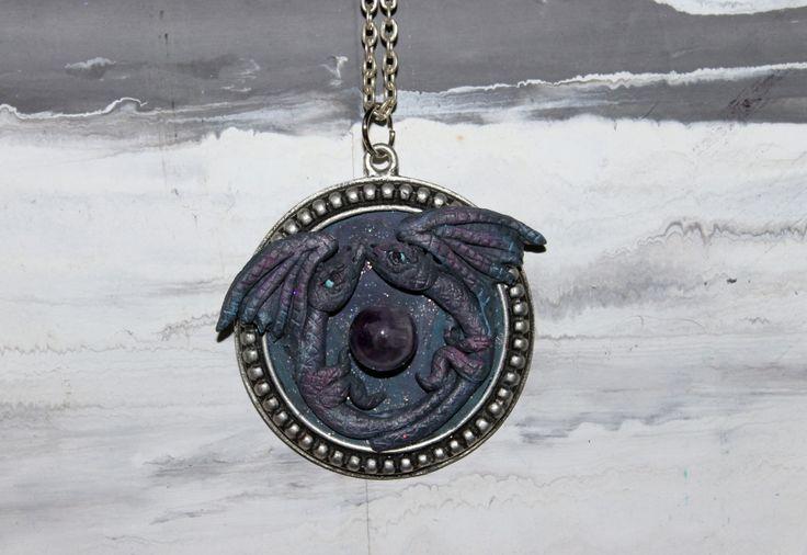 Collana  doppio DRAGO in polimer clay con pietra dura (ametista),idea regalo,hand made,gioielli fantasia di RosaCreation72 su Etsy