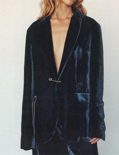 Traje de chaqueta de terciopelo azul. #inspiración