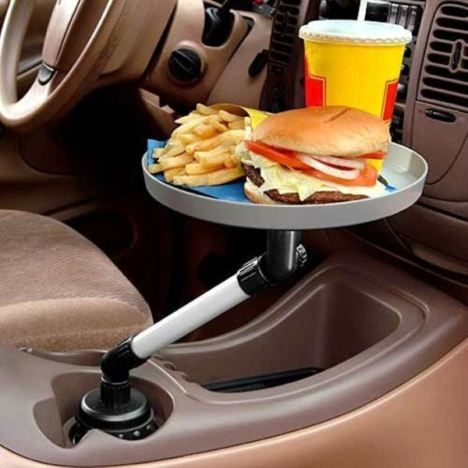Suporte para comida no carro.