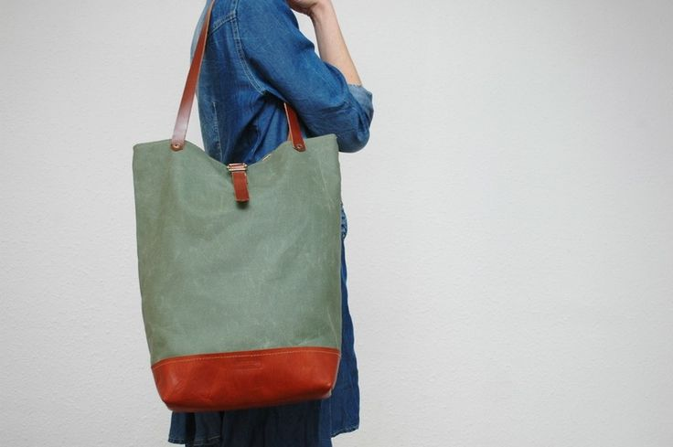 Tote+bag+made+of+waxed+cotton+canvas+von+NATURAL+HERITAGE+BAGS+auf+DaWanda.com