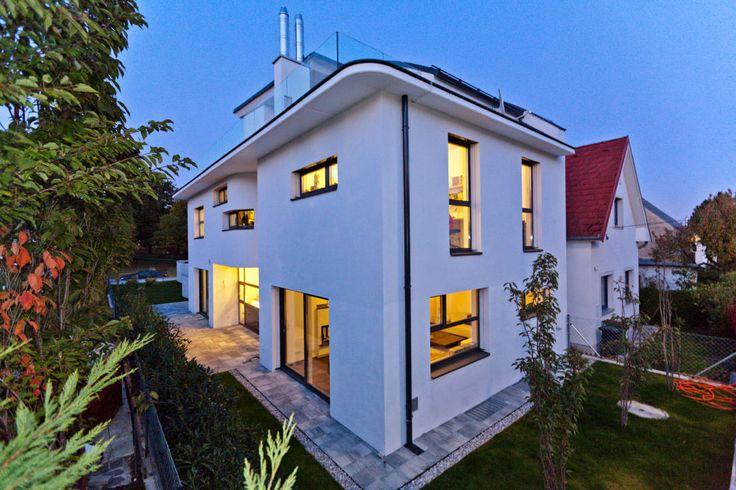 Komfortabel Wohnen auf schmalem Grundstück