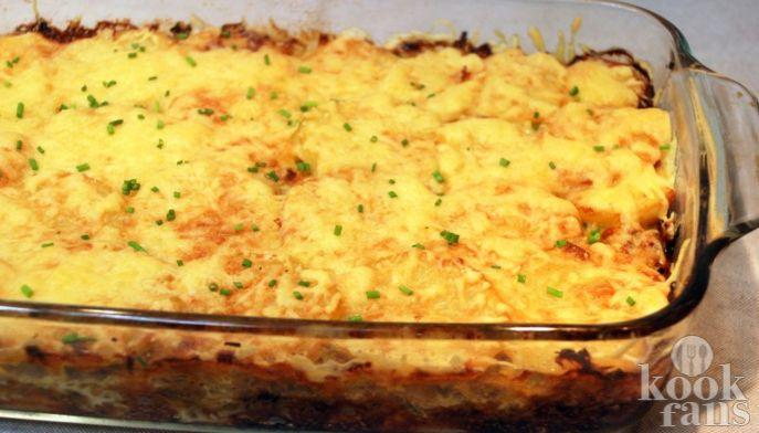 Ben jij ook zo gek op ovenschotels? Deze heerlijke variant met prei en ananas moet je proberen!