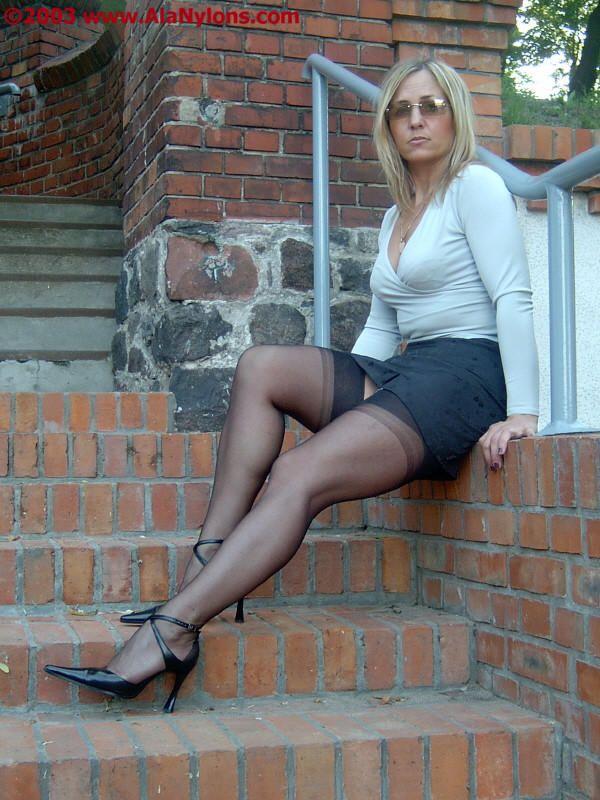 Pin af Cymruambyth på Leather Skirt | Damemode