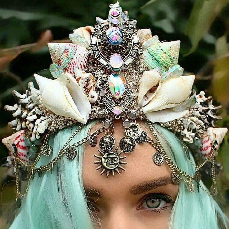 Be yer own mermaid princess b!!  Hair: http://www.dollskill.com/arctic-fox-neverland-hair-dye.html  Crown: http://www.dollskill.com/loschy-designs-amethyst-crown.html