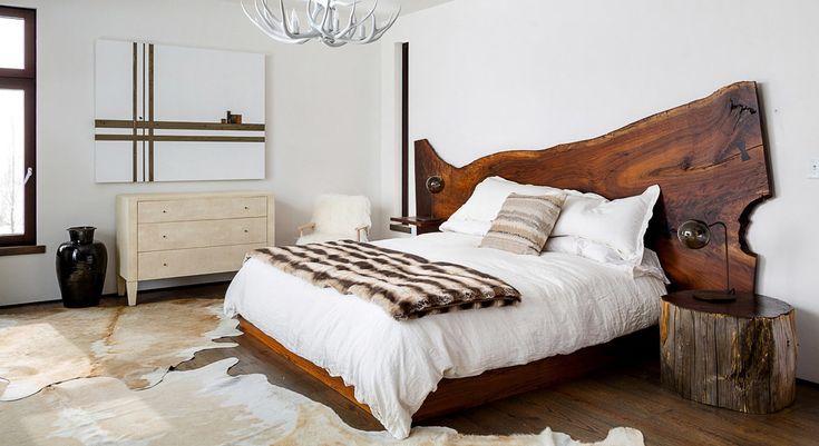 Изголовье кровати из старого дерева