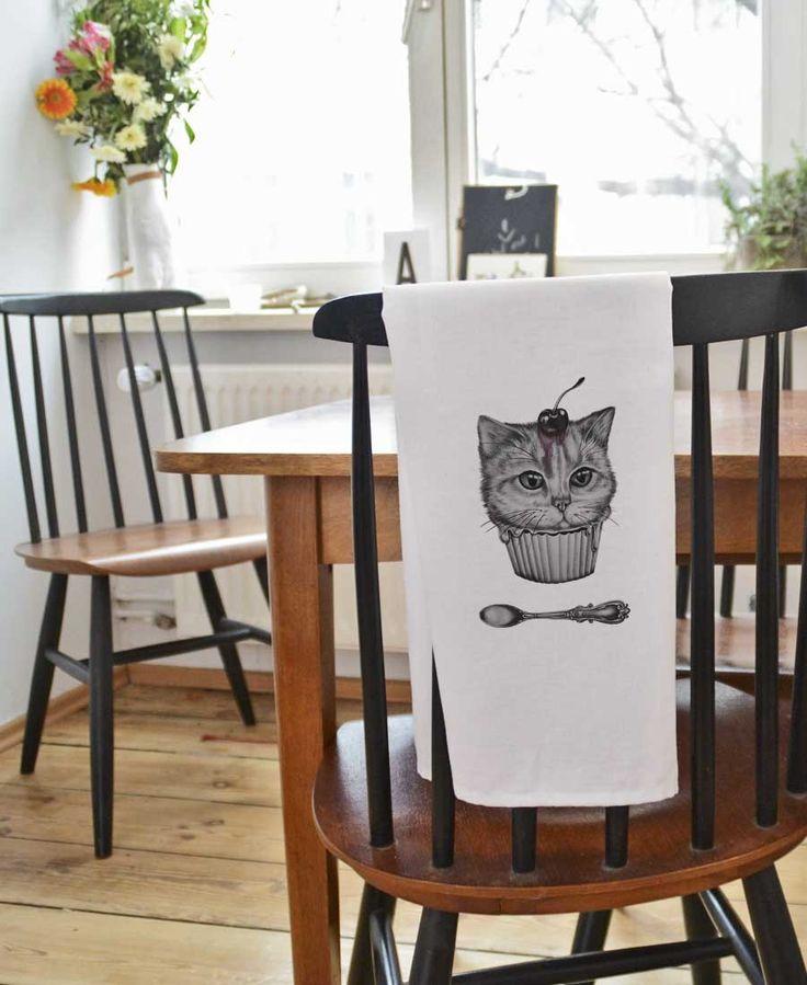 Dessert Cat Tea Towel by Maria Vdovichenko now on  Juniqe.com | Art. Everywhere.