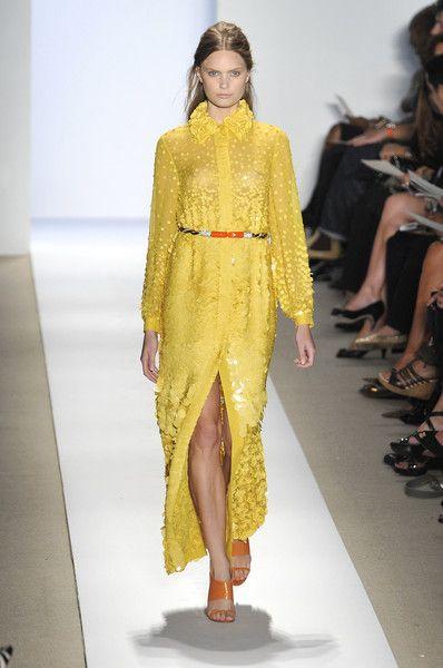 Reem Acra at New York Fashion Week Spring 2009 - Runway Photos