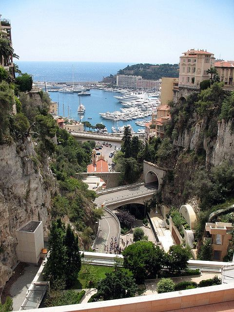 Vue sur le port de Monaco.