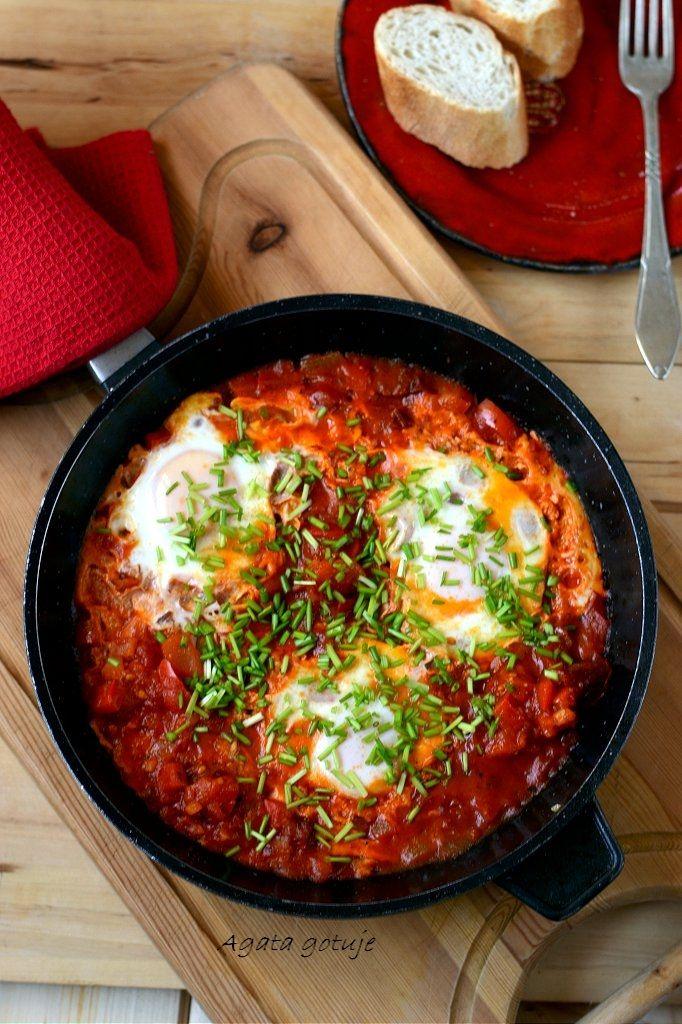 szakszuka - jajka sadzone w sosie pomidorowym 03-1024