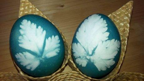 Cum vopsești ouă de Paște cu ingrediente naturale