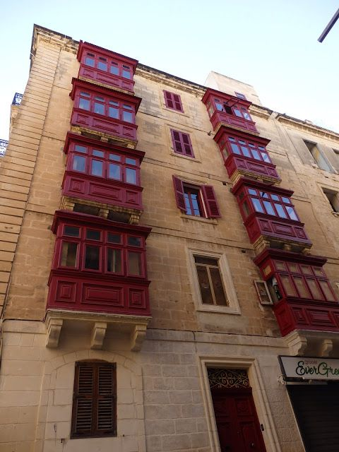 MORE MALTA: Secrets of Maltese balconies-gallarijia/Tajemnice maltańskich balkoników tzw. gallarijia
