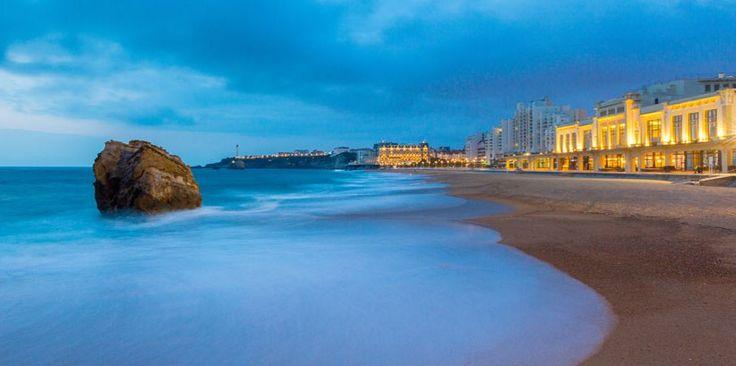 Casino Barrière de Biarritz : Jeux de Tables, Poker et Machines à Sous