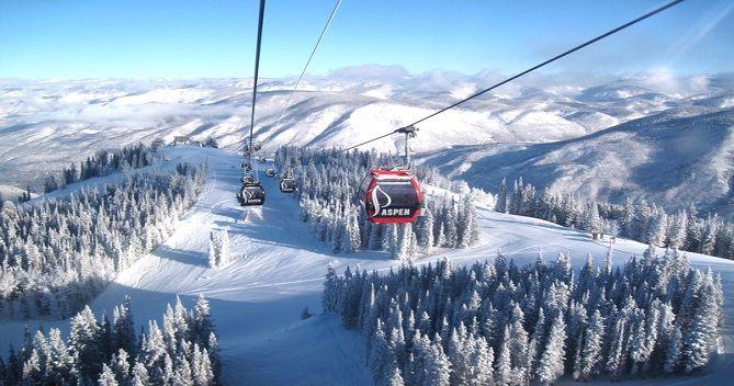 Катание на горных лыжах в Aspen , Colorado