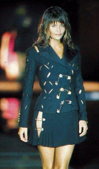 Helena Christensen - Gianni Versace Runway Show 1994'