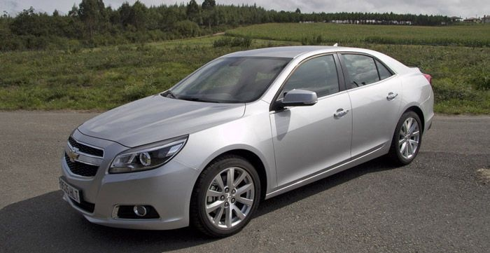The 2.0 VCDi diesel engine the Chevrolet Malibu continues to be the same as driving a sister, Cruze. It is a block that delivers 160 hp, generous in medium-low speed but lazy