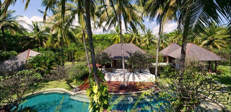 Beach Front villa in #Lombok http://www.balilocations.com/villas/lombok/bvlo1203