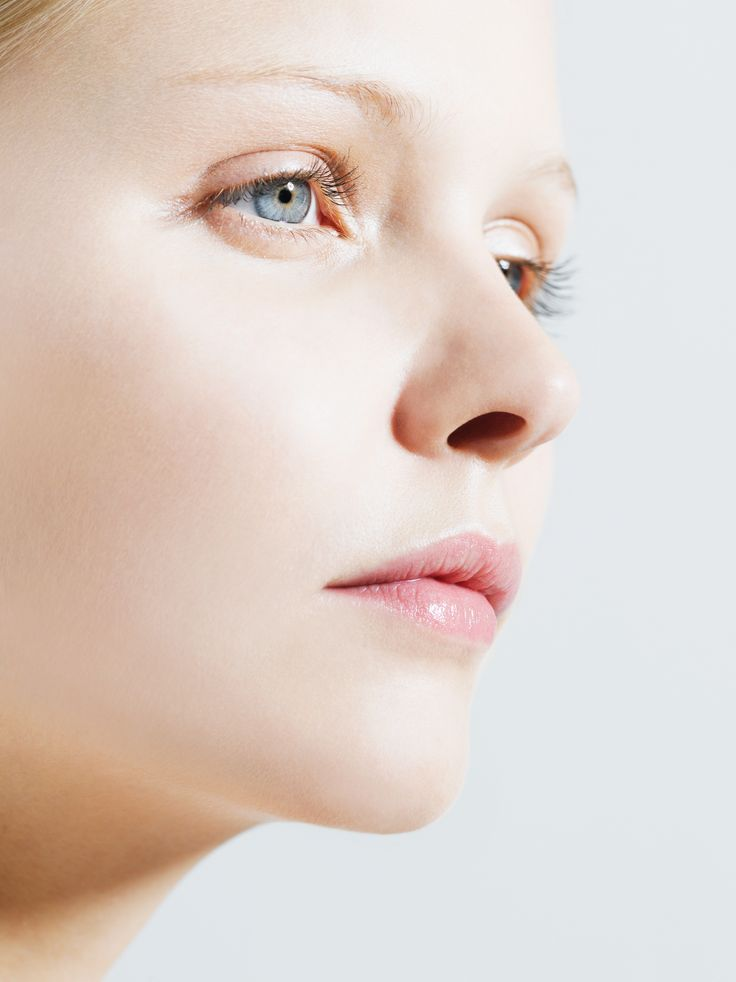 The thread lift is a little to no invasive skin treatment that acts like a face lift and lifts the skin, making it look taut, smoother, and more youthful-looking. Find out more here.