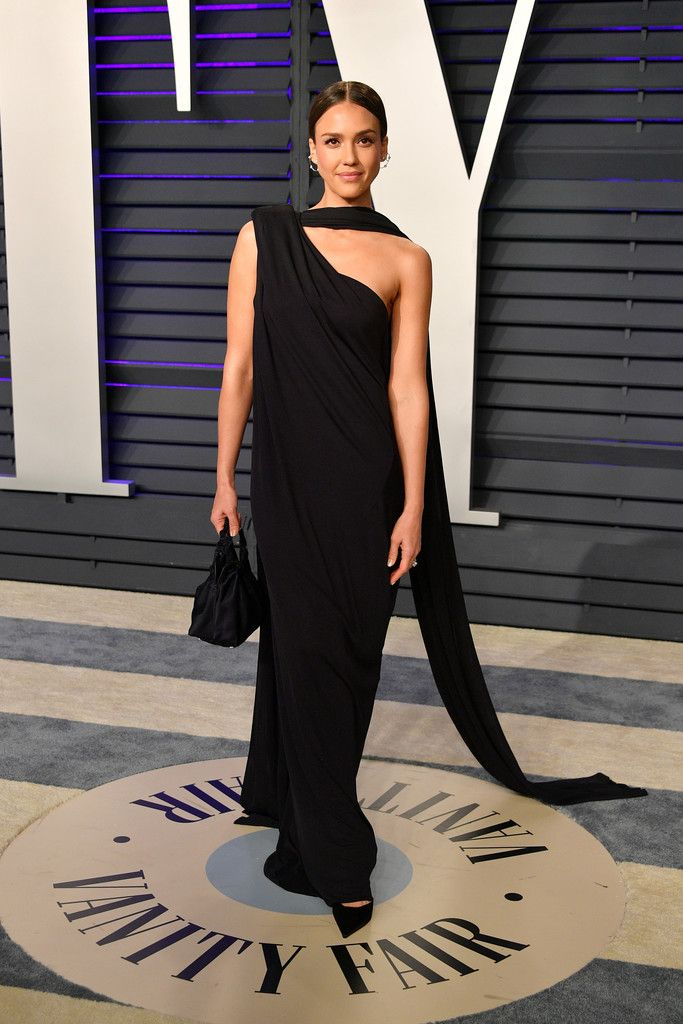 48e27290847 Jessica Alba attends the 2019 Vanity Fair Oscar Party hosted by Radhika  Jones at Wallis Annenberg