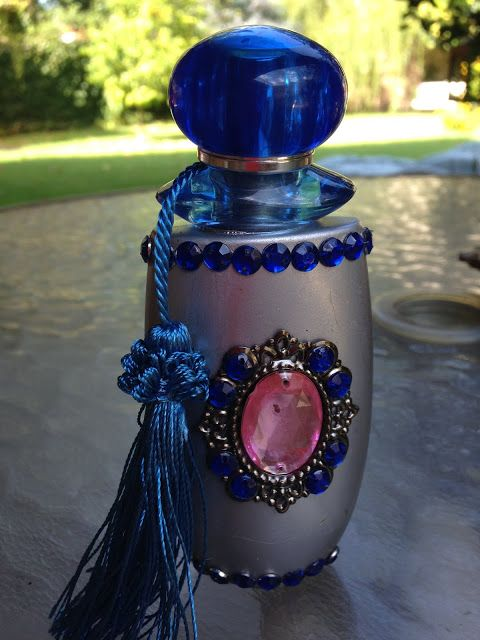 Frascos de perfume reciclados